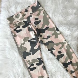 MinkPink Move pink camo workout leggings